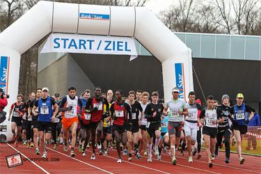 Carboo4U Top-Triathlet Steffen Justus beim Silvesterlauf