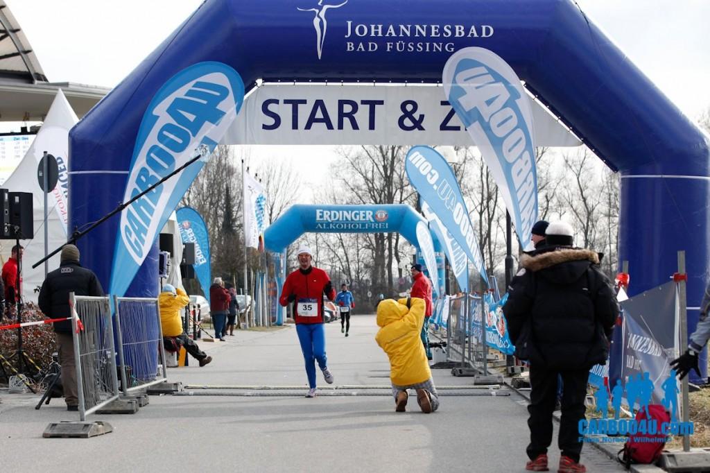 Carboo4U - Fotos: Norbert Wilhelmi - Mit dem Johannesbad Thermen-Marathon in Bad Füssing wird der erste von insgesamt vier Laufveranstaltungen des Bayerischen Thermencups 2013 gestartet.