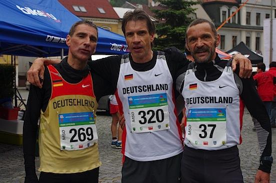 Carboo4U Running - Frank Apfelbaum SSG Königswinter, Thomas Ruminski SVE Hiddestorf und Frank Löschner TV Büschergrund werden Mannschafts-Europameister M50 im Halbmarathon in Upice, Tschechische Republik